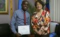 Prix du Jeune Journaliste en Haïti décerné à Luckson Saint-Vil porter-présentateur au sein de la radio MINUSTAH FM