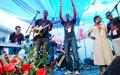 « Femmes à aimer » : L'artiste haïtien Belo offre un concert à 300 détenues
